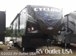New 2017  Heartland RV Cyclone 4200HD by Heartland RV from RV Outlet USA in Ringgold, VA