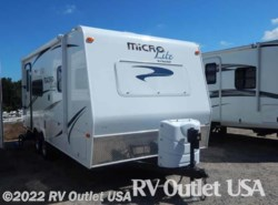Used 2015  Forest River Flagstaff Micro Lite 21FBRS by Forest River from RV Outlet USA in Ringgold, VA