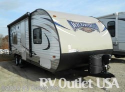Used 2016  Forest River Wildwood X-Lite 241QBXL by Forest River from RV Outlet USA in Ringgold, VA