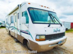 Used 2003  Thor Motor Coach Daybreak 2960 by Thor Motor Coach from Texas RV Outlet in Willow Park, TX