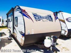 Used 2016  Forest River Wildwood X-Lite 241QBXL by Forest River from Texas RV Outlet in Willow Park, TX
