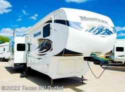 Used 2010  Keystone Montana 3665RE by Keystone from Texas RV Outlet in Willow Park, TX