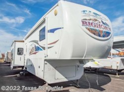 Used 2010  Heartland RV Bighorn 3400RL by Heartland RV from Texas RV Outlet in Willow Park, TX