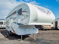 Used 2011  Cruiser RV  CTX CF26RKX by Cruiser RV from Texas RV Outlet in Willow Park, TX