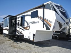 Used 2014  Keystone Fuzion 375 by Keystone from Great Escapes RV Center in Gassville, AR