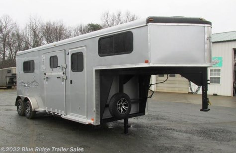 2019 Homesteader Stallion 2H GN w/Side Ramp and Dress 7'8