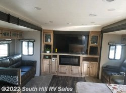 New 2019 Coachmen Freedom Express 321FEDSLE available in Puyallup, Washington