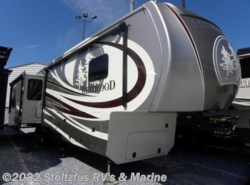 New 2016  CrossRoads  REDWOOD RW38RL by CrossRoads from Stoltzfus RV's & Marine in West Chester, PA