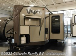 Used 2015  Forest River Flagstaff V-Lite 30WFKSS by Forest River from Colerain RV of Indy in Indianapolis, IN