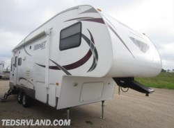 Used 2014  Keystone Hornet 245RLS by Keystone from Ted's RV Land in Paynesville, MN