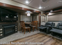 New 2016  Forest River Wildcat 28SGX by Forest River from TerryTown RV Superstore in Grand Rapids, MI
