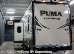 New 2016  Palomino Puma Unleashed 373QSI by Palomino from TerryTown RV Superstore in Grand Rapids, MI
