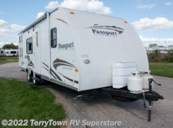 Used 2007  Keystone Passport 255bh by Keystone from TerryTown RV Superstore in Grand Rapids, MI