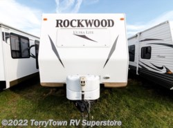 Used 2013  Forest River Rockwood Ultra Lite 2703 SS by Forest River from TerryTown RV Superstore in Grand Rapids, MI