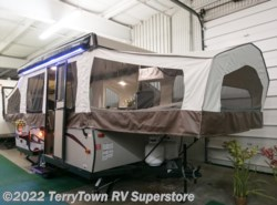 New 2017  Forest River Rockwood Freedom 2318G by Forest River from TerryTown RV Superstore in Grand Rapids, MI
