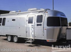 New 2017  Airstream Flying Cloud 26AWB by Airstream from Lazydays in Tucson, AZ