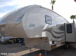 New 2015  Shasta Phoenix 30RL Fifth Wheel