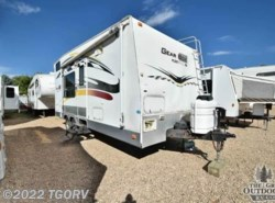 Used 2004  Fleetwood  Gear Box 220FB by Fleetwood from The Great Outdoors RV in Evans, CO