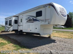Used 2010  Heartland RV Bighorn 3600RE by Heartland RV from The Motorhome Brokers - FL in Florida