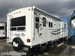 Used 2013  Northwood Arctic Fox 25y by Northwood from www.RVToscano.com in Los Banos, CA