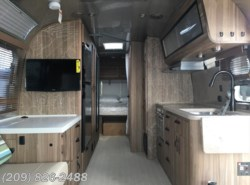 New 2018 Airstream Tommy Bahama 27FB available in Los Banos, California