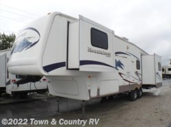 Used 2006  Keystone Mountaineer 328RLS by Keystone from Town & Country RV in Clyde, OH