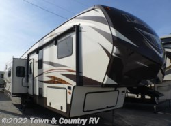 Used 2015  Keystone Laredo 346RD by Keystone from Town & Country RV in Clyde, OH