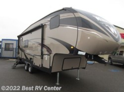 New 2017  Winnebago Voyage 25RKS  ALL POWER PACKAGE/REAR KITCHEN by Winnebago from Best RV Center in Turlock, CA