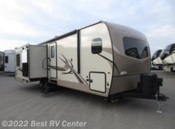 New 2018 Forest River Rockwood Signature Ultra Lite 2707WS Rear Kitchen/ 3 Slide Outs/ Wardrobe Slide/ available in Turlock, California