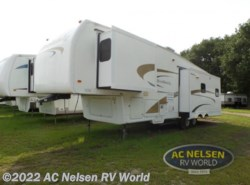 Used 2006  Nu-Wa Hitchhiker II LS LS 34.5 IKTG by Nu-Wa from AC Nelsen RV World in Shakopee, MN