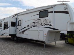 Used 2009  Keystone Montana Hickory 3665RE by Keystone from Best Value RV in Krum, TX
