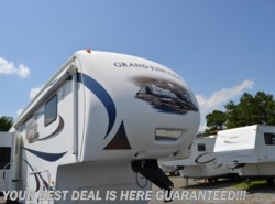 Used 2011  Dutchmen Grand Junction 340RL by Dutchmen from Delmarva RV Center in Seaford in Seaford, DE