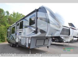 Used 2016  Keystone Fuzion 371 by Keystone from Campers Inn RV in Mocksville, NC