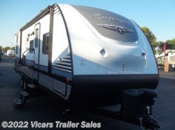New 2017  Forest River Surveyor 295QBLE by Forest River from Vicars Trailer Sales in Taylor, MI