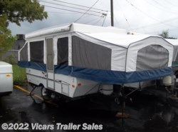 Used 2005  Palomino Yearling 4120 by Palomino from Vicars Trailer Sales in Taylor, MI