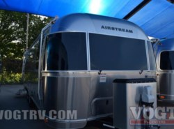 New 2017  Airstream Flying Cloud 27FB by Airstream from Vogt Family Fun Center  in Fort Worth, TX