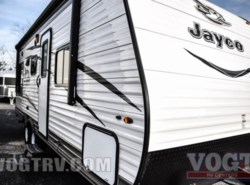 New 2017  Jayco Jay Flight SLX 212QBW by Jayco from Vogt Family Fun Center  in Fort Worth, TX