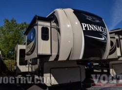 New 2017  Jayco Pinnacle 38FLSA by Jayco from Vogt Family Fun Center  in Fort Worth, TX