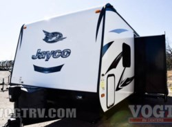 Used 2016  Jayco White Hawk 24MBH by Jayco from Vogt Family Fun Center  in Fort Worth, TX