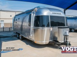 New 2017 Airstream International Signature 25FB available in Fort Worth, Texas