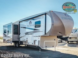Used 2013  CrossRoads  REDWOOD 38BR by CrossRoads from Bish's RV Supercenter in Nampa, ID