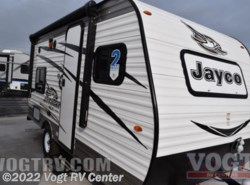 New 2017  Jayco Jay Flight SLX 154BH by Jayco from Vogt RV Center in Ft. Worth, TX
