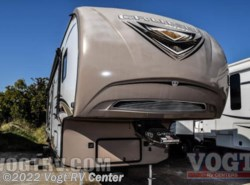 Used 2015  CrossRoads  30BH by CrossRoads from Vogt RV Center in Ft. Worth, TX