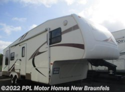Used 2006  Keystone Laredo 29RL by Keystone from PPL Motor Homes in New Braunfels, TX