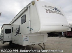 Used 2005  Keystone Montana 3670 by Keystone from PPL Motor Homes in New Braunfels, TX