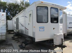 Used 2009  Jayco Jay Flight Bungalow 40BHS by Jayco from PPL Motor Homes in New Braunfels, TX