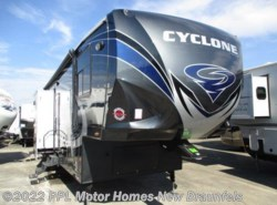 Used 2016  Heartland RV Cyclone 4113 HD by Heartland RV from PPL Motor Homes in New Braunfels, TX