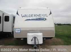Used 2012  Heartland RV Wilderness 2150RB by Heartland RV from PPL Motor Homes in Cleburne, TX