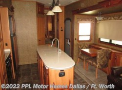 Used 2015  Thor  Redwood 39MB by Thor from PPL Motor Homes in Cleburne, TX