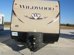 Used 2014  Forest River Wildwood 31BKIS by Forest River from PPL Motor Homes in Cleburne, TX